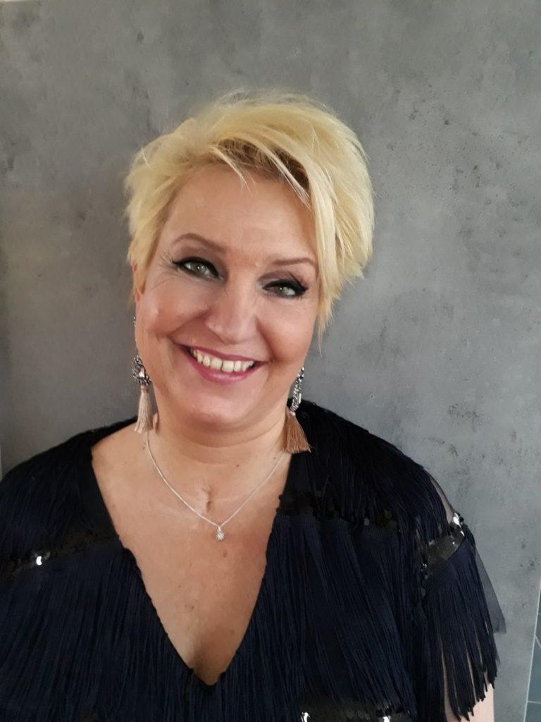 Bruidsmakeup | Bruidskapsel | Make-up | Hairstyling Makeup-40plusser-768x1024