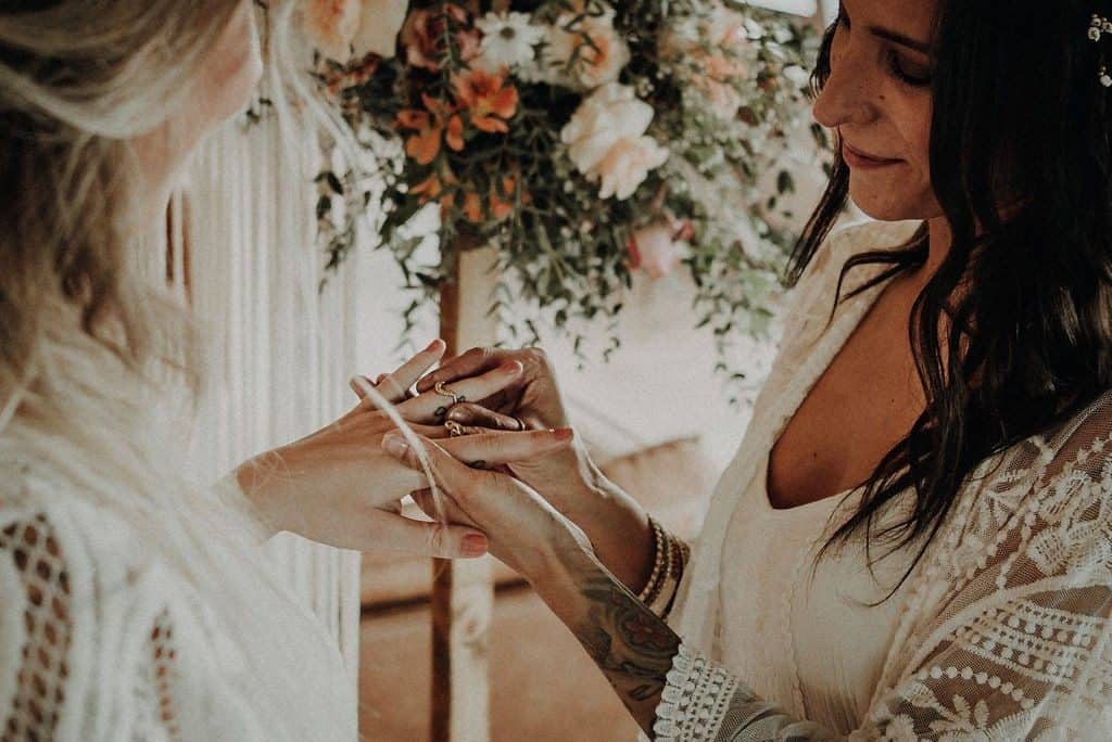 Bruidsmakeup | Bruidskapsel | Make-up | Hairstyling 051-1024x684 ulianakochneva styled bohemian wedding shoot style depot strandclub zwoel make-up doorlana busje bloemen bluebird rotterdam