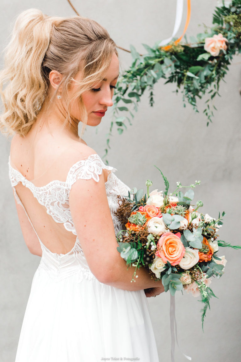 Bruidsmakeup | Bruidskapsel | Make-up | Hairstyling JoyceTekst_Fotografie-11-768x1151
